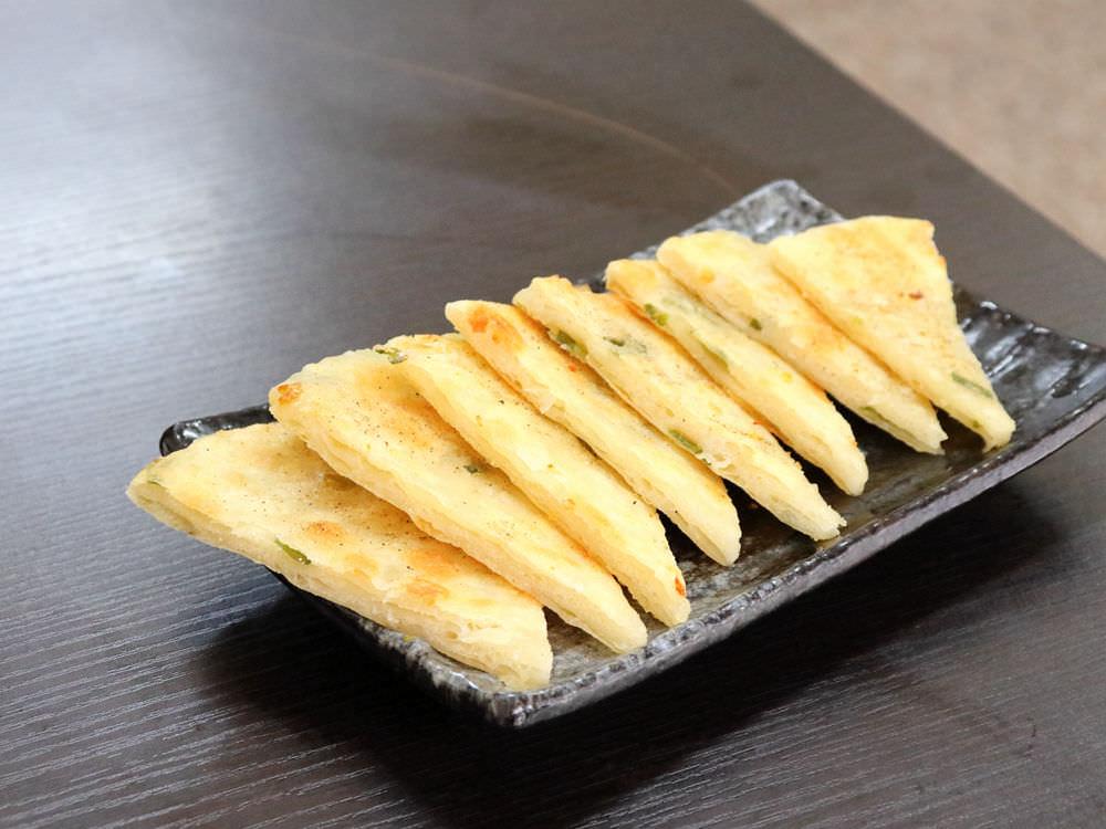 一盤蔥油餅