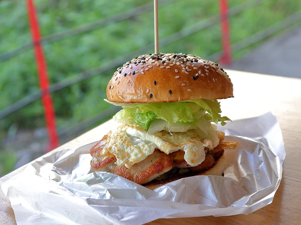 賴胖找餐廚坊的漢堡