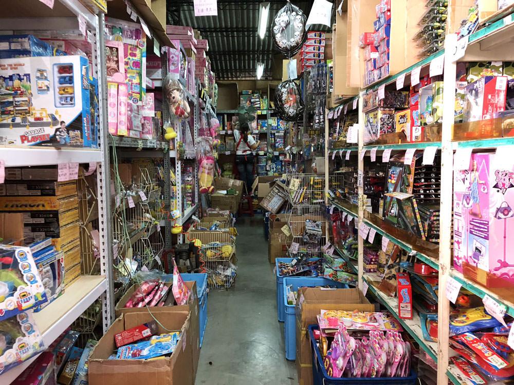 均湛玩具批發倉庫