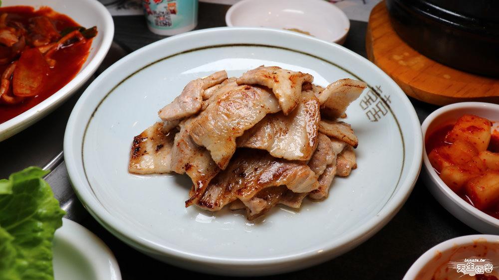 [台中]三元韓式花園餐廳的半價周年慶餐點跟平常一樣嗎?,附排隊攻略。