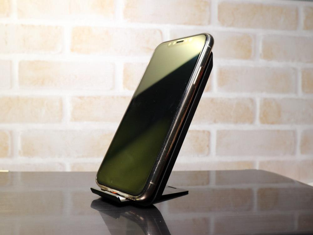 倍思Baseus立式雙線圈無線充電板開箱,IphoneX實際充電測試。