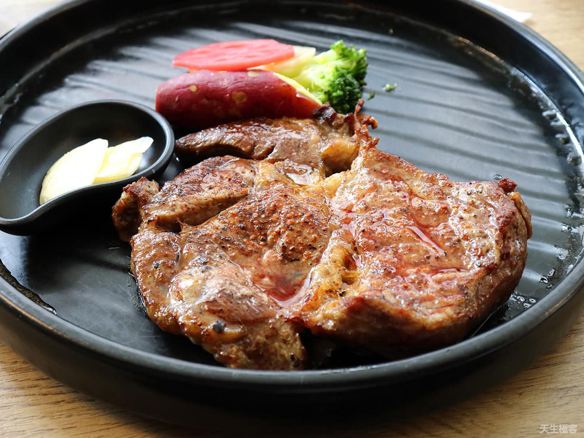 台中科博館美食推薦,陶板屋台灣大道店,停車方便還可散步逛街的親子友善餐廳。