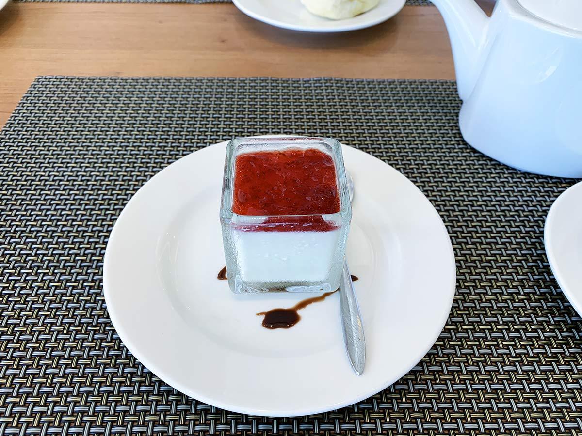台中港酒店 草莓奶酪