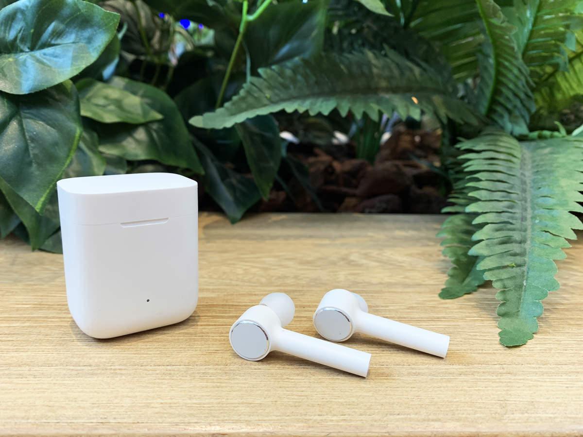[開箱]小米藍牙耳機Air,外形最接近Airpods的真無線藍牙耳機,好不好用則要試看看才知道。