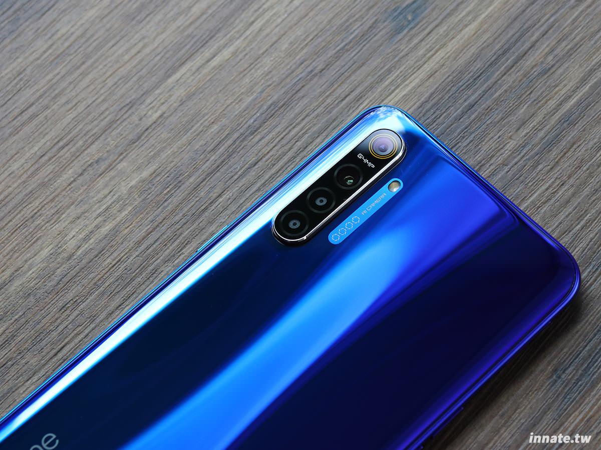 [開箱]Realme XT,6400萬畫素主相機、FHD Super AMOLED、8GB Ram,規格超高、價格超低,2019下半年CP之王降臨。