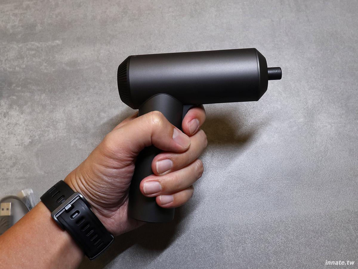 [開箱]米家電動起子機,高質感霧黑設計加上適當的扭力足以應付一般使用需求,小米的工具力作。