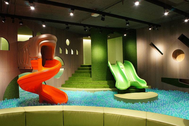 【台中西屯】Hide&Seek嘻遊聚親子餐廳~德國HABA頂級無毒遊具~球池滑梯~親切有禮的服務~位於中科商圈米平方商場~